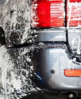 Ruční mytí automobilů